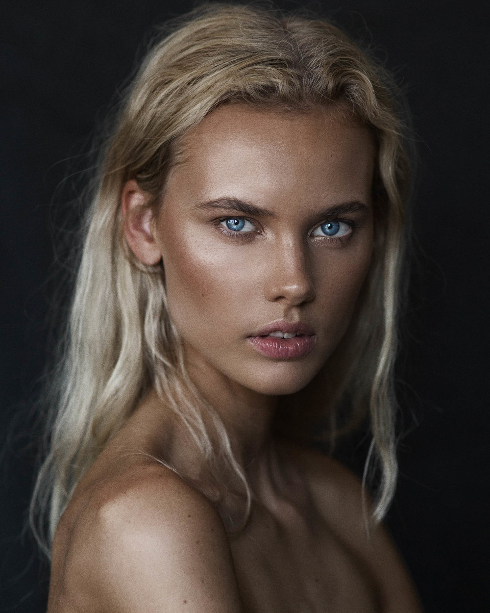 Moa Rikner by photographer Nick Walters in Sydney.jpg