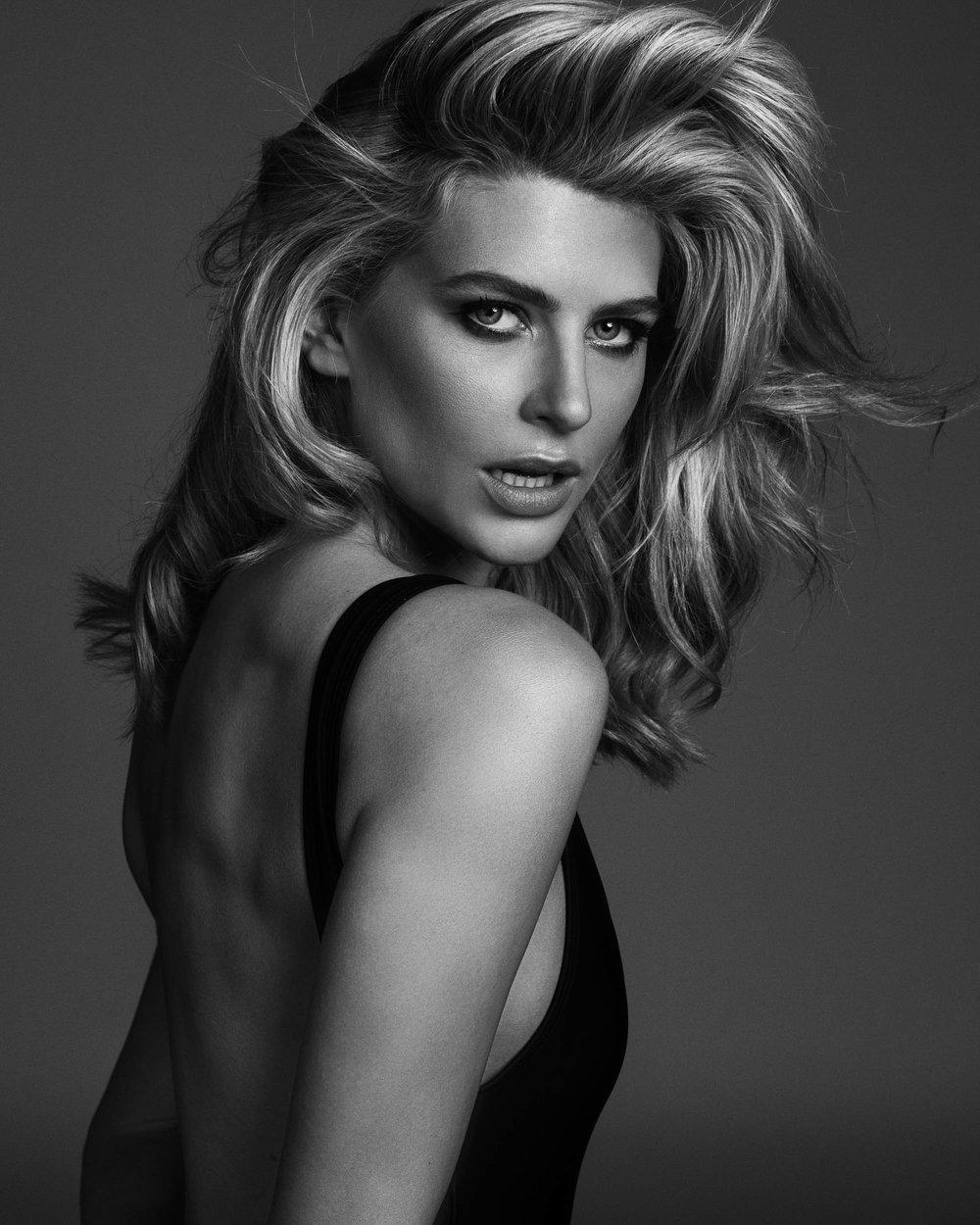 Model Sophie Van Den Akker photographed by Nick Walters1.jpg