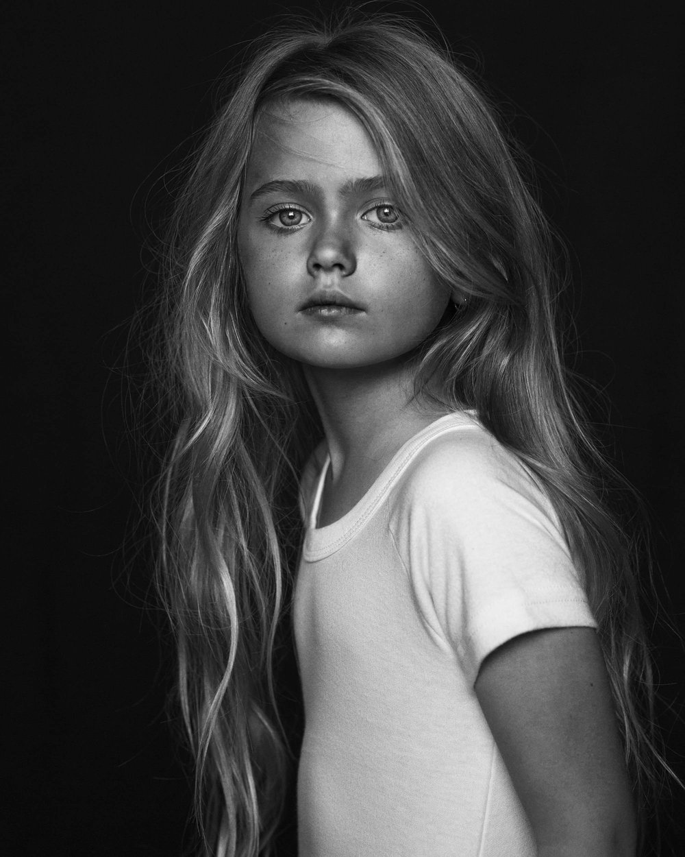 Black and White photo of Ellie by Nick Walters at Lumi Studio.jpg