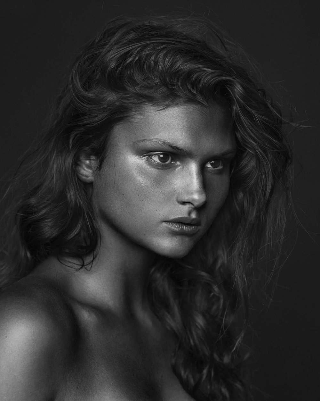 Ella Bond photographed by Nick Walters at Lumi Studio2.jpg
