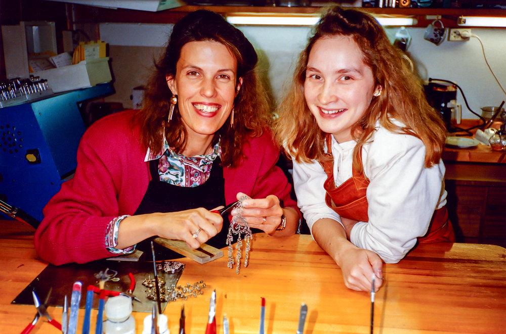 Her med lærling Monica Kappfjell 1992. Monica tok svennebrev 1. november 1992.