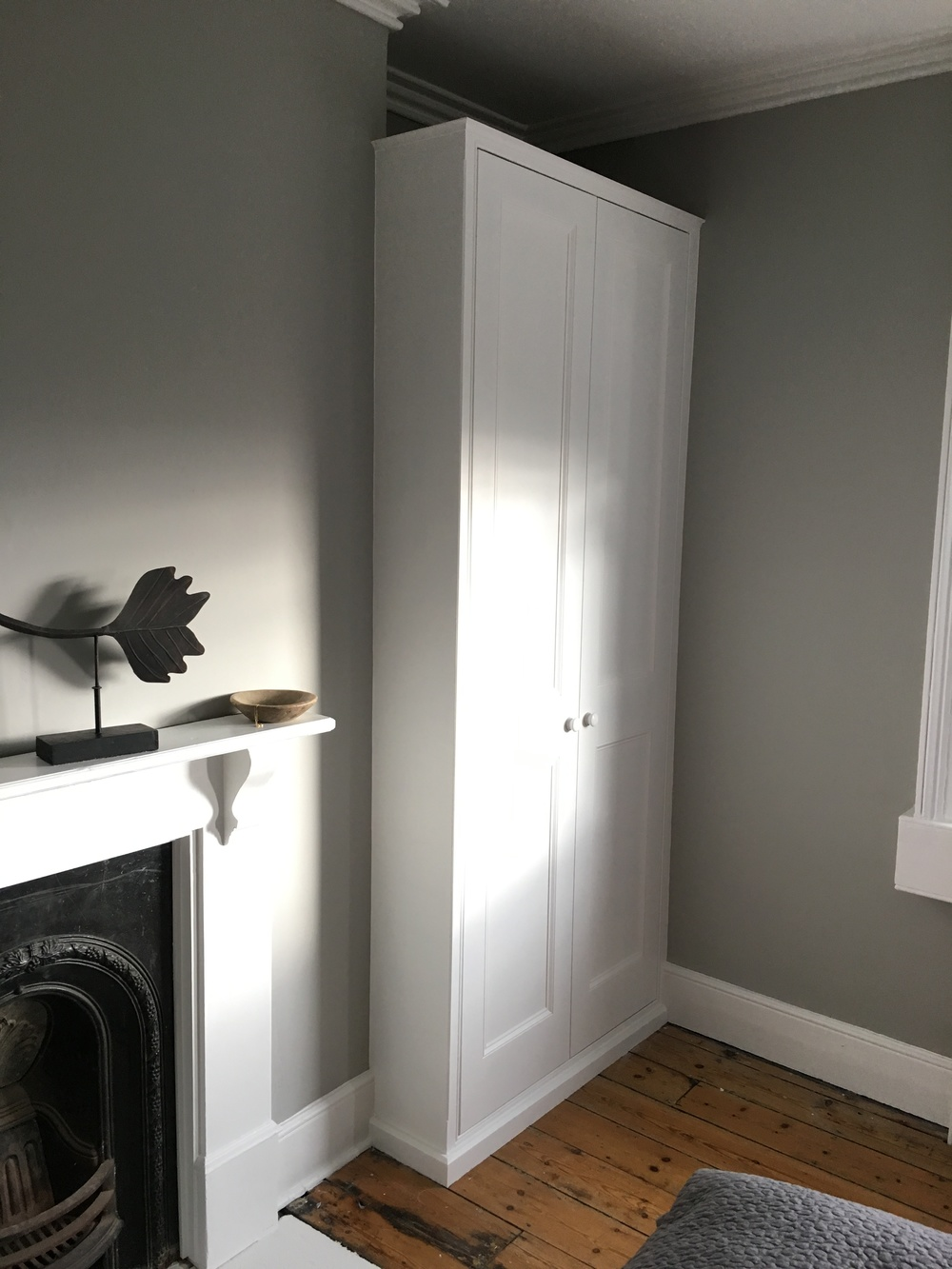 Traditional style pencil border, panelled door wardrobe