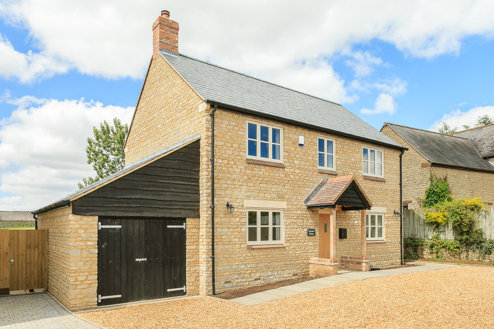 Oaktree front elevation.jpg