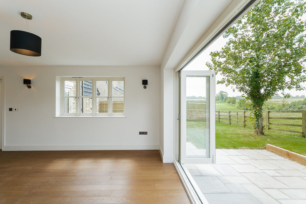 Oaktree lounge.jpg