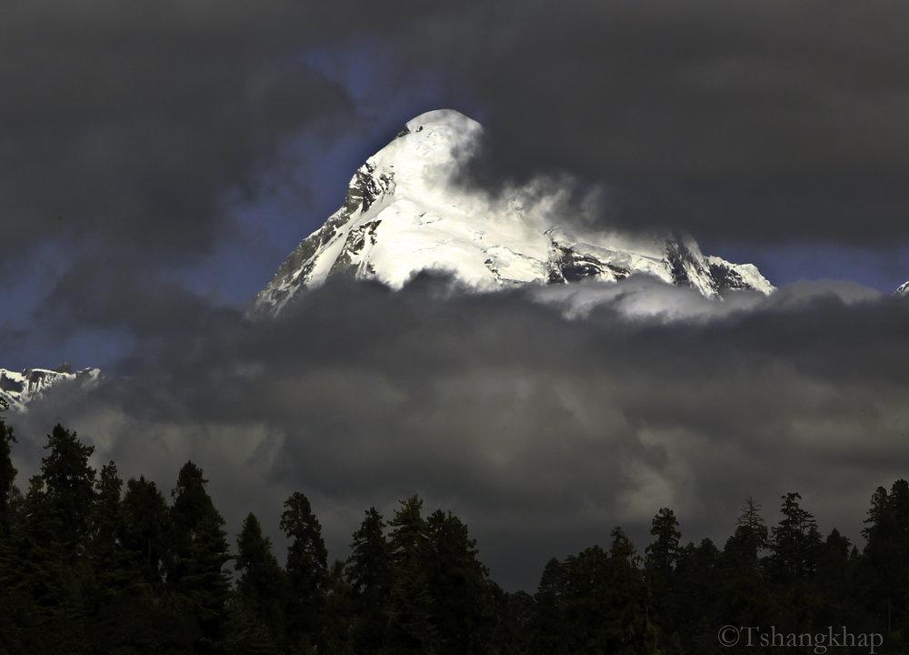 Jhomolhari Mountain (7326m)
