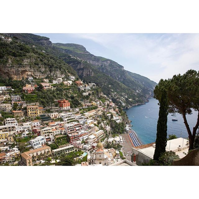 #alfiebuoy's 10 Most Memorable Charters of 2018:  #7 ⚓️ It's Boxing Day! The last time we felt this full, we were in Italy, meandering through the lemon trees and vertiginous houses of Positano, the markets of Amalfi, and the craggy grottos of Capri 🍝🍷 https://alfiebuoy.com/  #luxurytravel #yachtcharter #amalfi #positano #capri #italy #sunseeker #mediterraneansea #adventure #alfiebuoycrew #cruising #mozzarella #dop