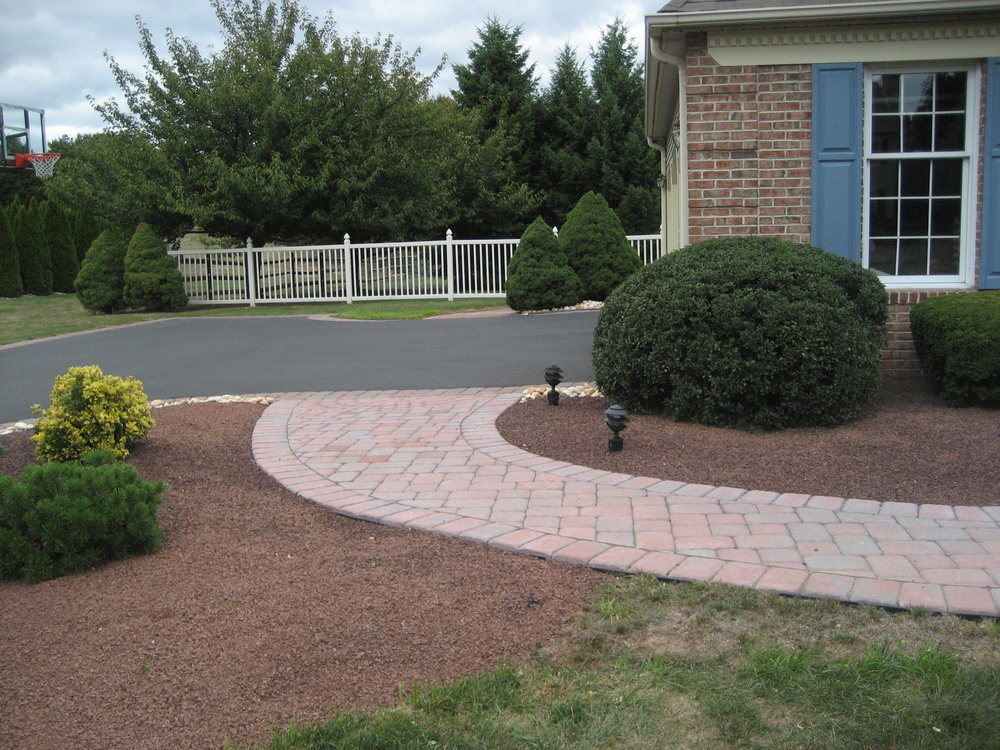 struck walkway&andy pave 008.JPG