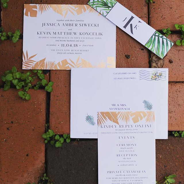 Obsessing over these rose gold beauties 🙌🏼 get in touch for a custom quote on your EXACT vision #destinationwedding #custominvitations #RADclients