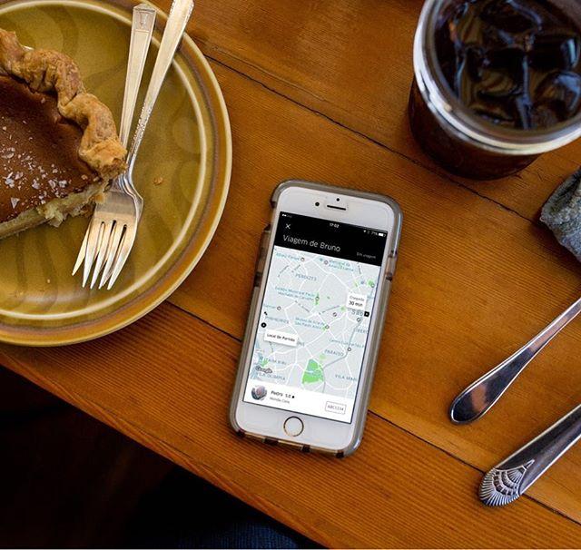 Esperando seu amigo chegar para um café? Peça para ele compartilhar o status da viagem com você, acompanhe o caminho pelo próprio app e saiba o horário que ele vai chegar!