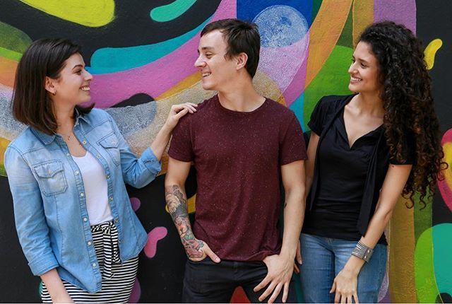 Apresentamos as #historiasnouberPOOL, uma série de histórias coletadas de usuários em suas viagens de uberPOOL. De relacionamentos profissionais a amizades, as conexões feitas durante uma viagem uberPOOL podem mudar o curso do seu dia e até da sua vida.  Conheça a história da Leticia, do Jonatas e da Larissa no link no nosso perfil!