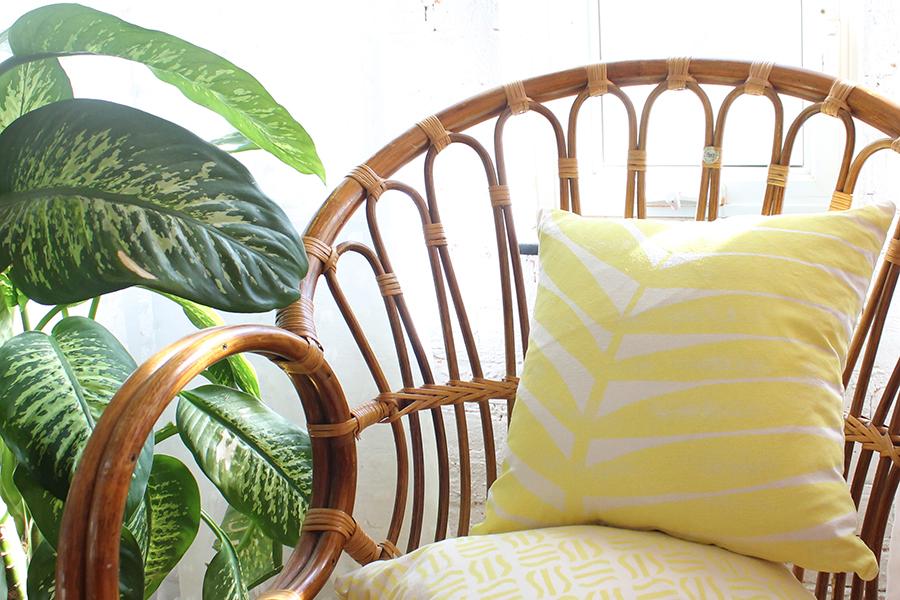 yellow-tropical-pillows