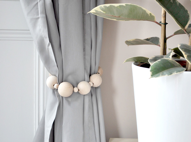 DIY CURTAIN TIE BACKS - WILD & GRIZZLY