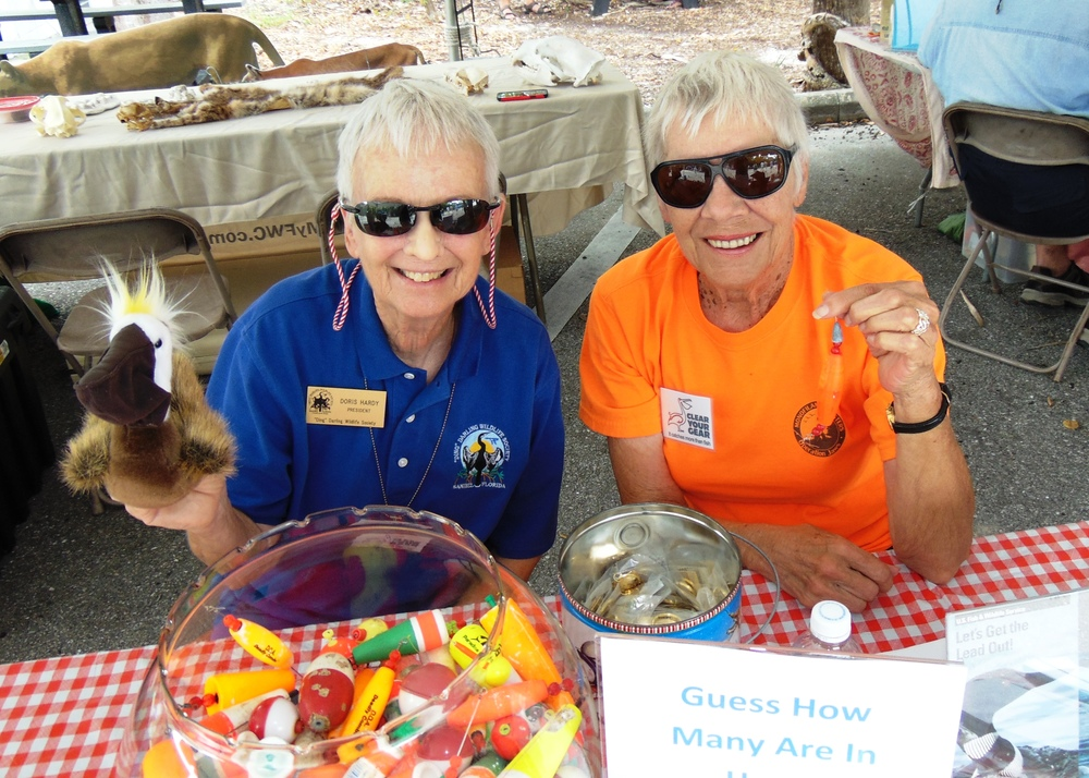 doris and betsy at cyg booth on family fun day 10-18-15.JPG