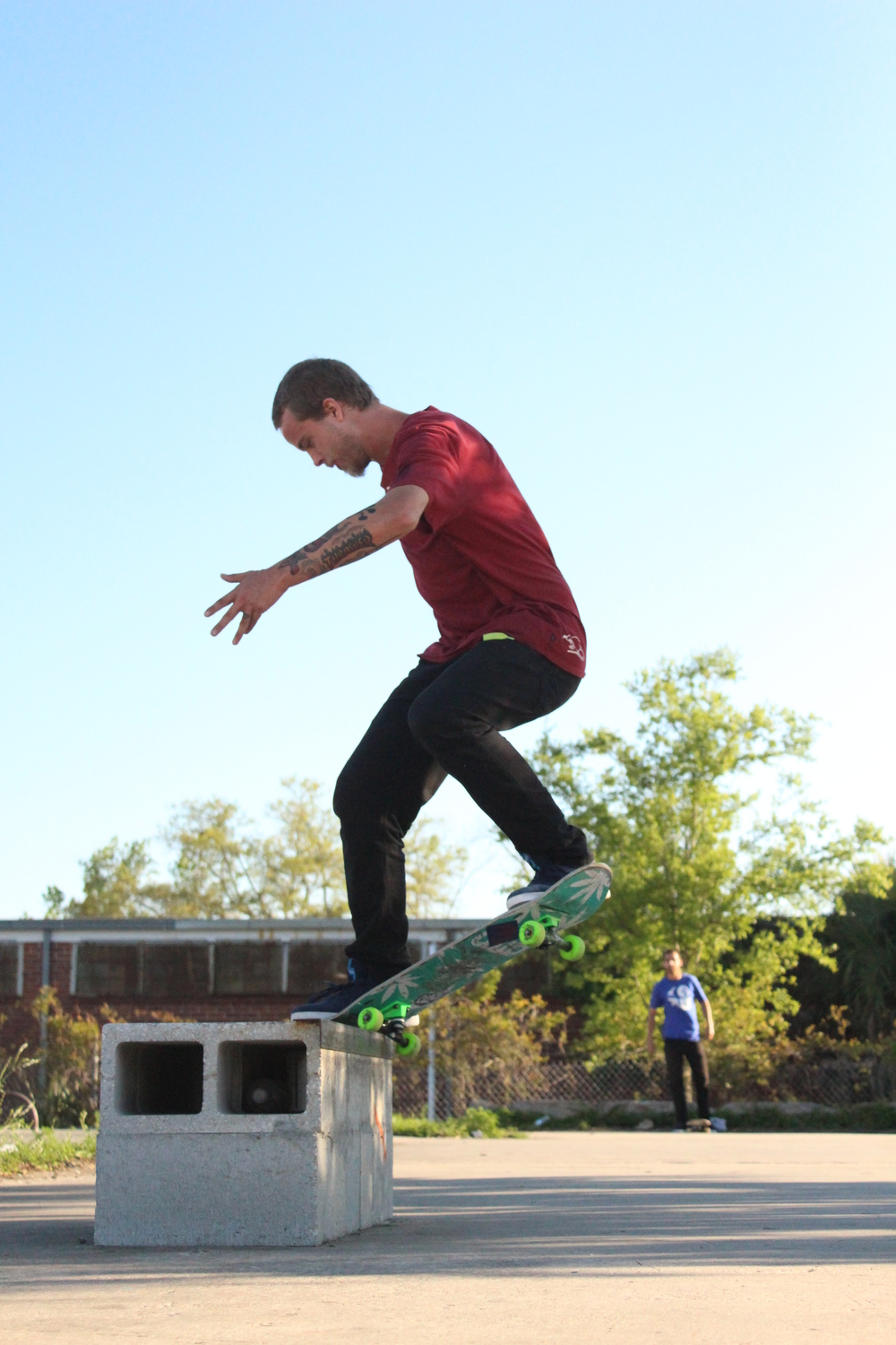 Almost positive this was a nollie front crook.  The thumbnail is small, Im not sure. Tazz