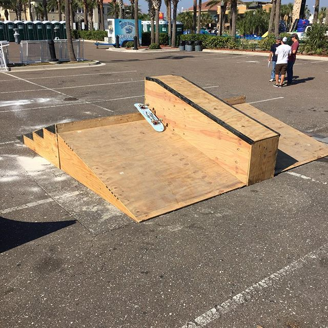 We're out here setting up the street course for #Voidfest this weekend.  Street contest on Saturday and best trick on this thing Sunday!  We're giving away over $700 in cash!  #theblockskatesupply