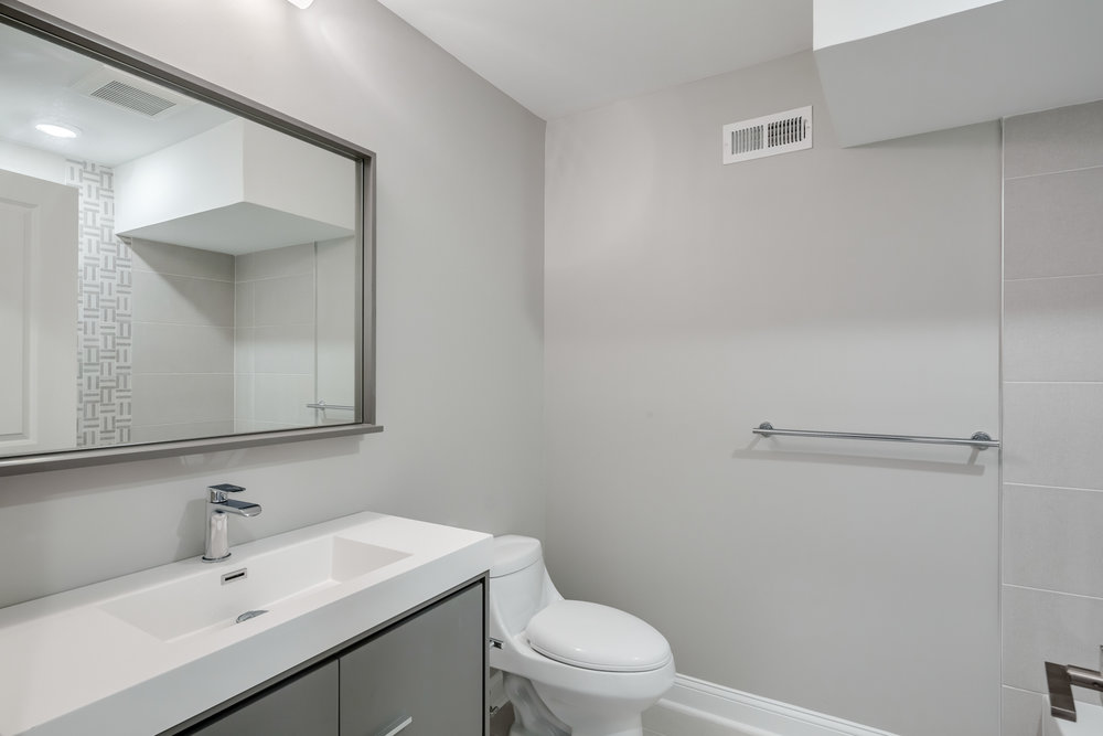 1524 Catharine St Unit A-MLS-16.jpg