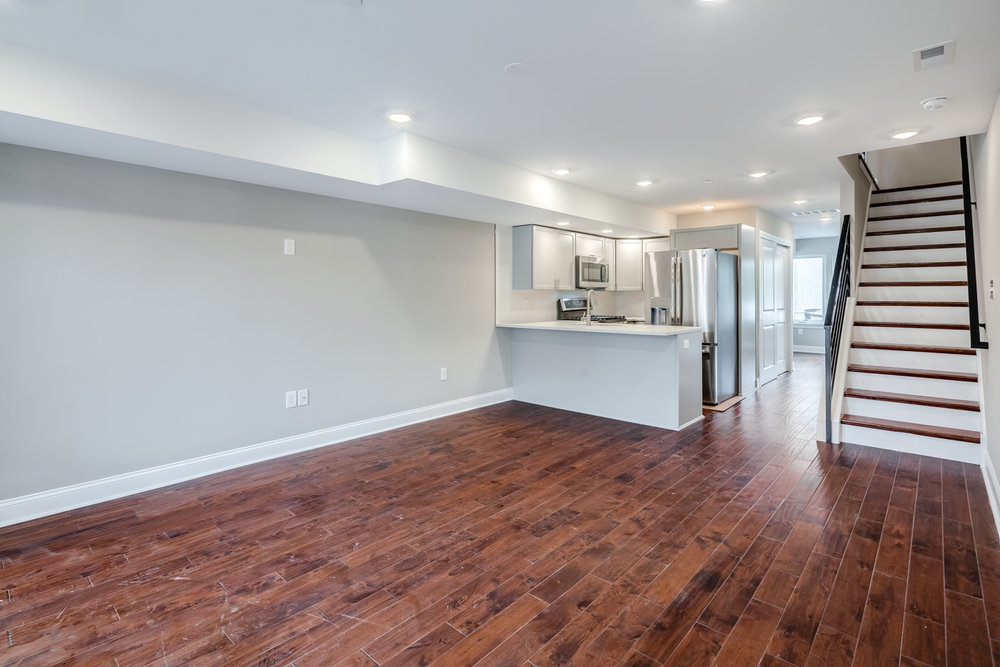 1524 Catharine St Unit A-MLS-23.jpg