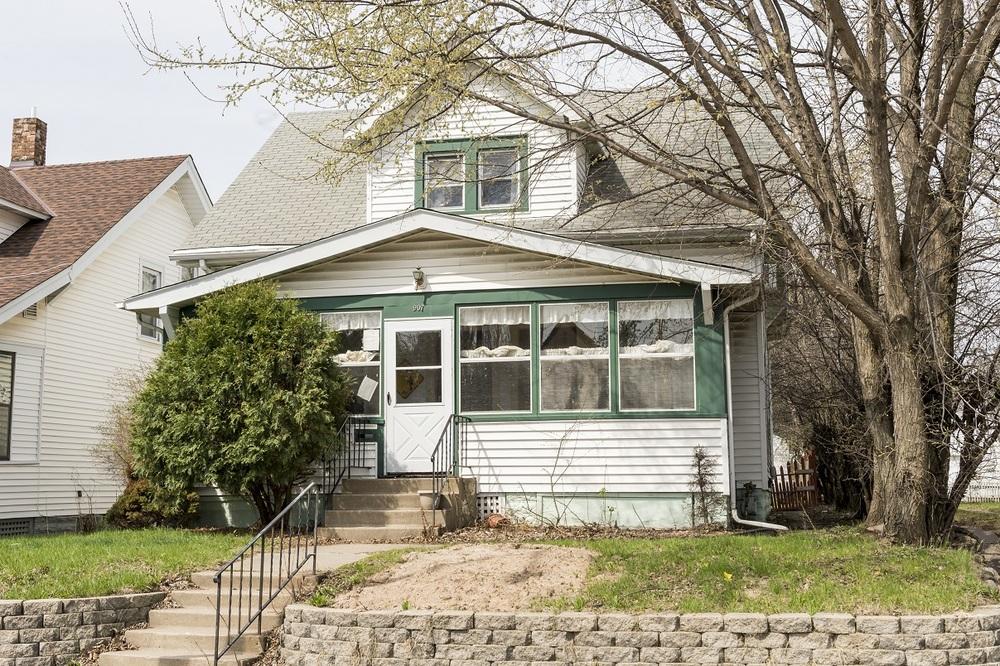 Sold 907 Smith - $162,000 Duplex