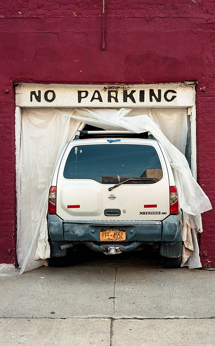 no_parking_dwiii35612.jpg