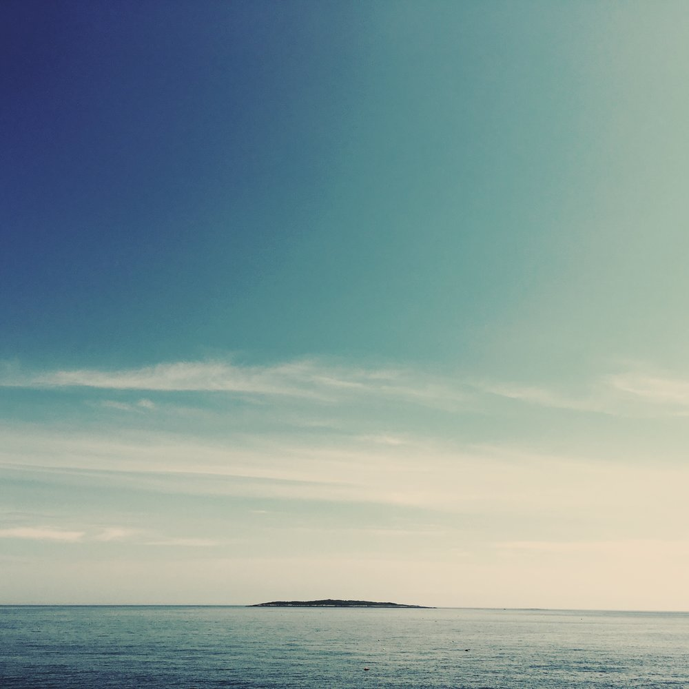 ISLAND EMPTY OCEAN.jpg