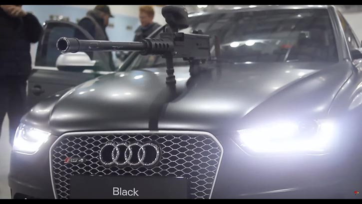 AUDI RS4 - Paintball Fight