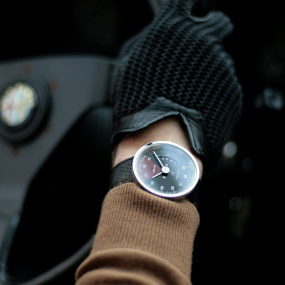 black watch, autodromo, black and white watch