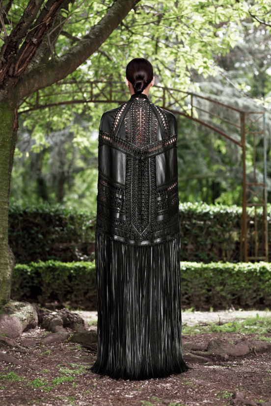 Givenchy_Couture_2012_4.png