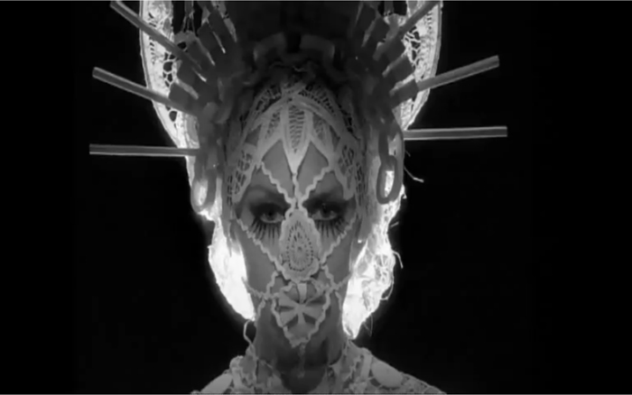 Kylie Minogue, Like a Drug, Tour, Video, Costume
