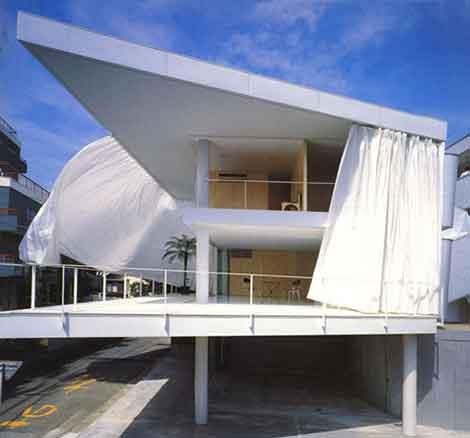 Shigeru Ban, Curtain Wall House, Curtain House, House with Curtain Walls, Minimal Home design