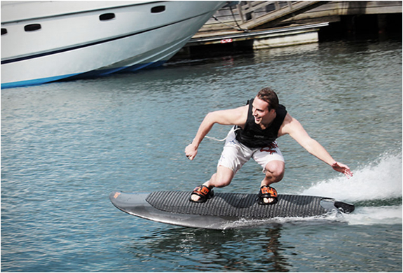 Radinn Wakejet, electric wakeboard