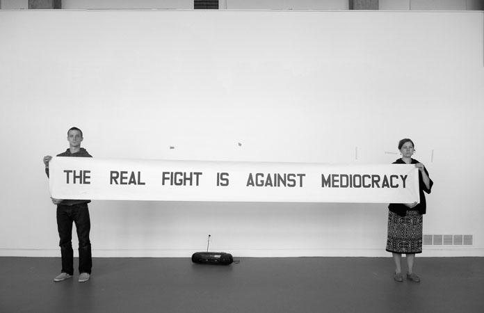 """""""Gerçek kavga vasata (vasatın egemenliğine)karşıdır."""""""