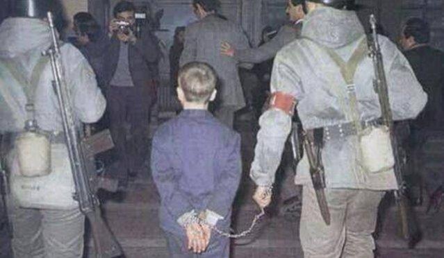 Çocuk suçlu denince aklıma baklava çalmakla suçlanan,mahkemeye kelepçe ile getirilip 6 yıl ağır hapis cezası alan ve anca mahkumiyetinin 19. ayında Rahşan Affı'yla mapustan çıkabilen Ali Avcı geliyor.