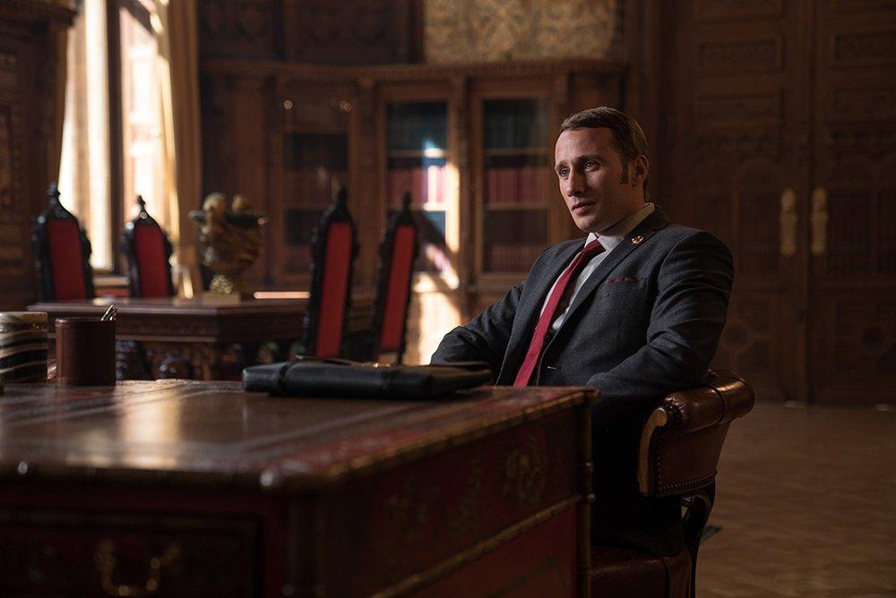 Mattias Schoenaerts'ın, Vanya rolü için yapılan makyaj ile sonunda Putin dublörü olarak iş bulabilecek hale gelmişken