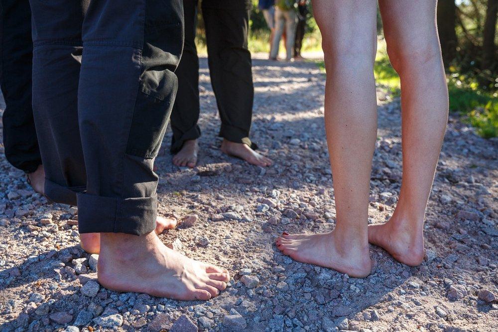 Der Abenteuer-Trek startet für die Teilnehmer barfuß an der Darmstädter Hütte.