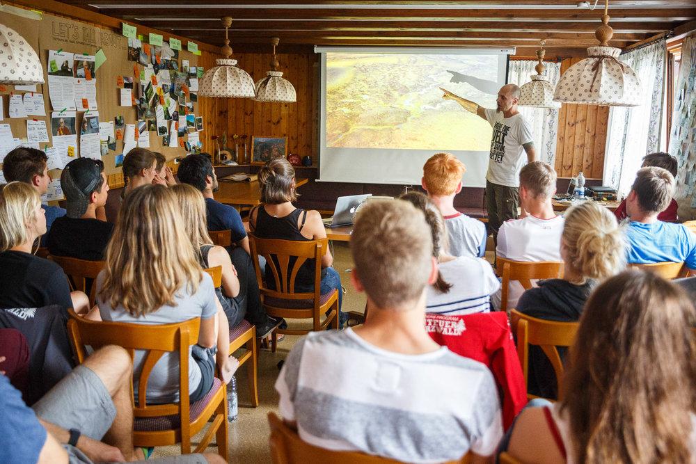 Zu Besuch beim Young Explorers Camp:Markus Mauthe, Umweltaktivist und Greenpeace-Fotograf.