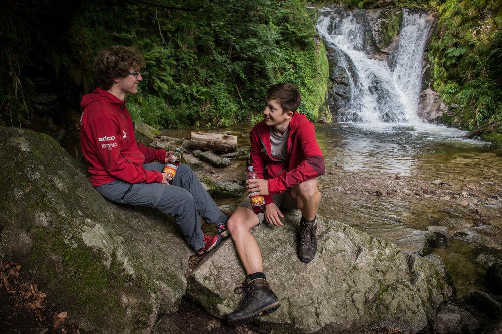 Pause an den Wasserfällen.
