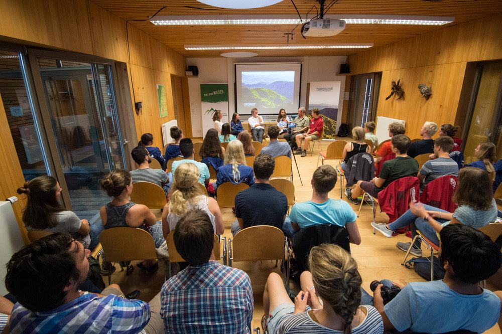 Podiumsdiskussion im Nationalparkszentrum.