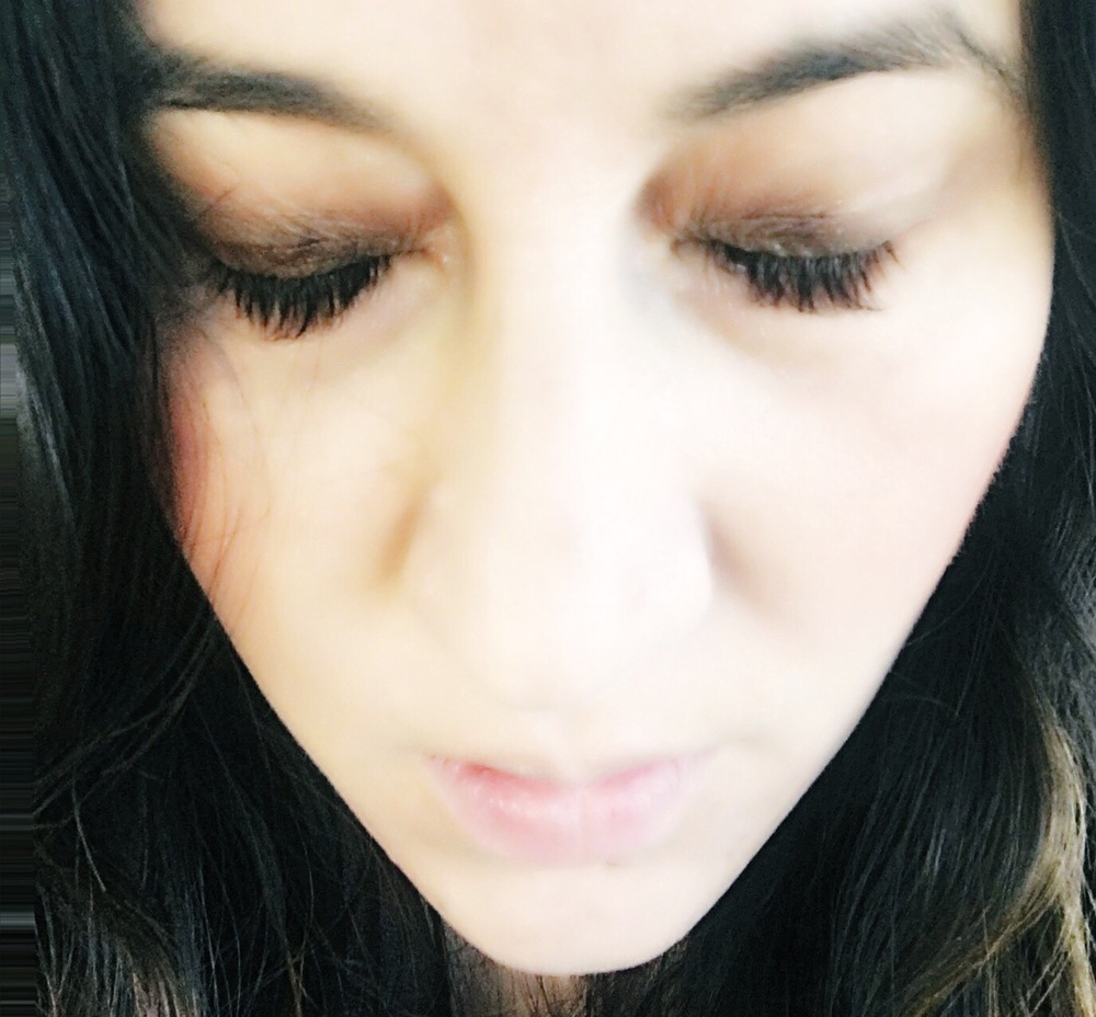 This photo is from when I missed my lash app. I want to cry. See how uneven they are ! Eeeek #somebodysendhelp