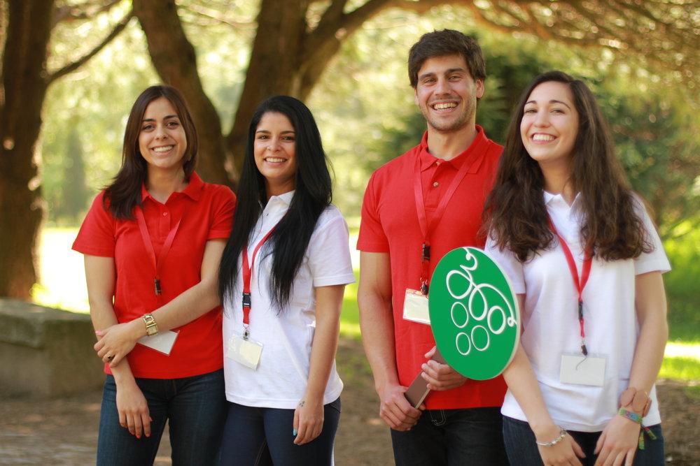 A equipa da Bago D'Uva 360º Portugal Tours ama Portugal e quer mostrar o país em itinerários muito bem montados, tanto em pequenos grupos como em viagens feitas à medida. A partemais importante é ter uma experiência sustentável que beneficie o turista e a população local.