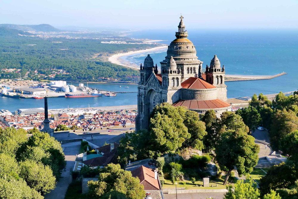 A Bago D'Uva 360º Portugal Tours pode levá-lo ao Santuário do Bom Jesus do Monte em Braga, que tem belas vistas da cidade e da região do Minho.