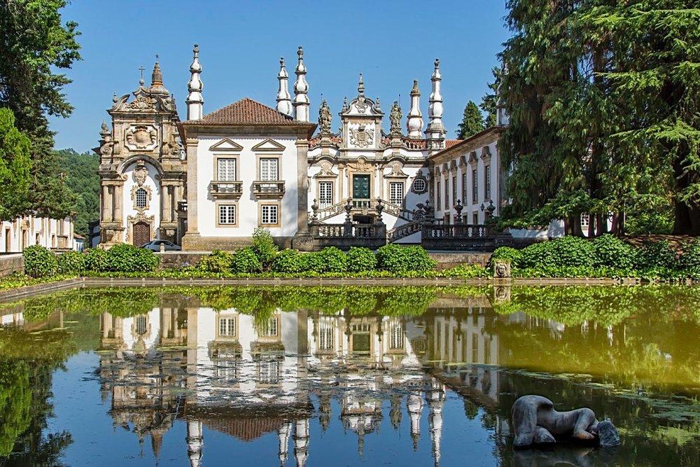 A Bago D'Uva 360º Portugal Tours vai visitar o Palácio de Vidago em Trás-os-Montes e saborear a água com gás natural. Vamos também provar o vinho e a gastronomia.