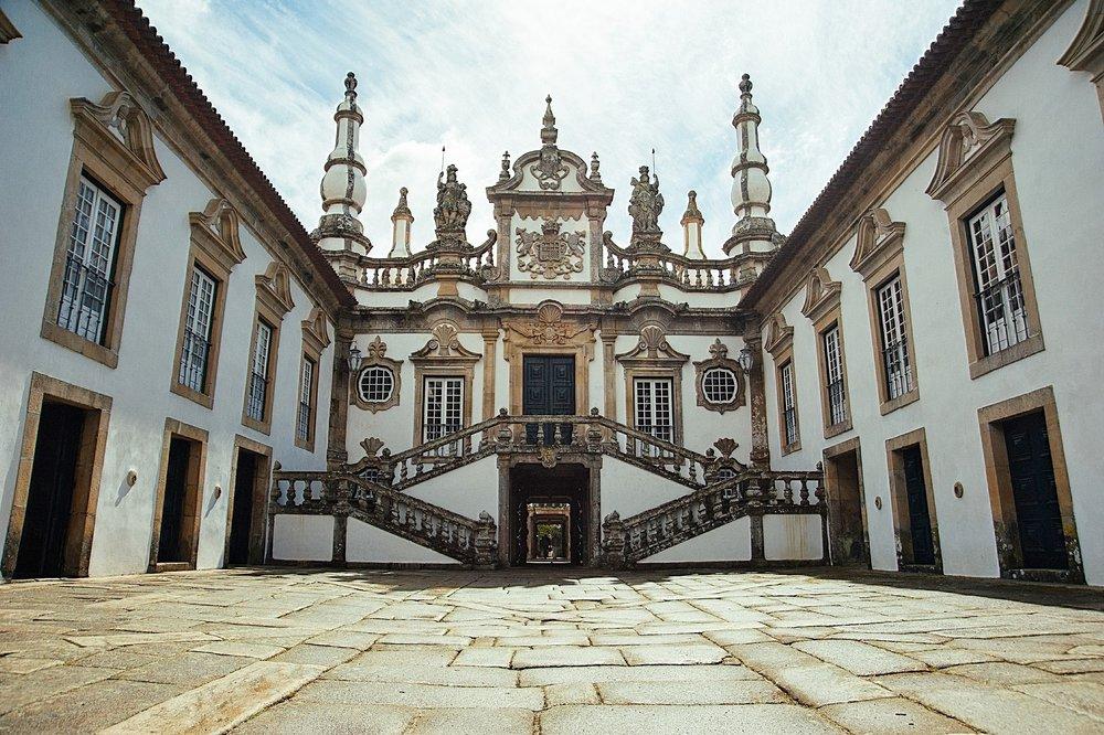 bago-d-uva-360-portugal-tours-casa-de-mateus