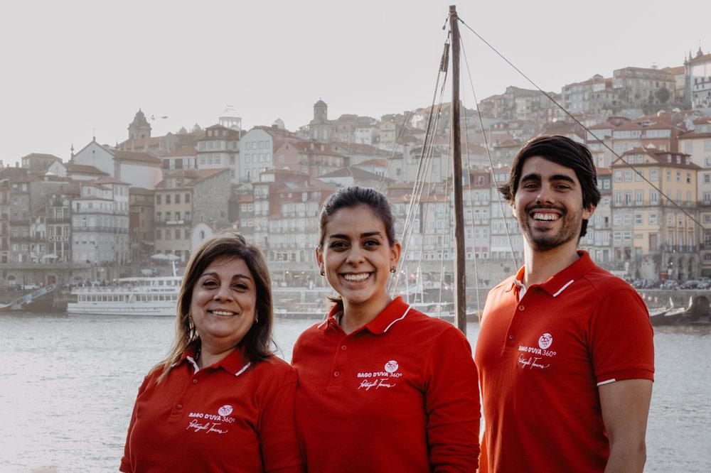 A equipa da Bago D'Uva 360º Portugal Tours está pronta para servir os seus clientes a partir da nossa base no Porto e levá-los por todo o território, desde o Norte de Portugal até ao extremo Sul de Portugal.