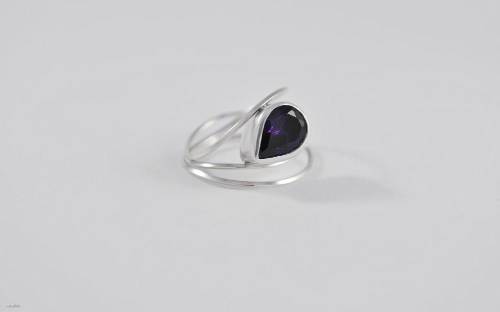Liz's ring_1.jpg
