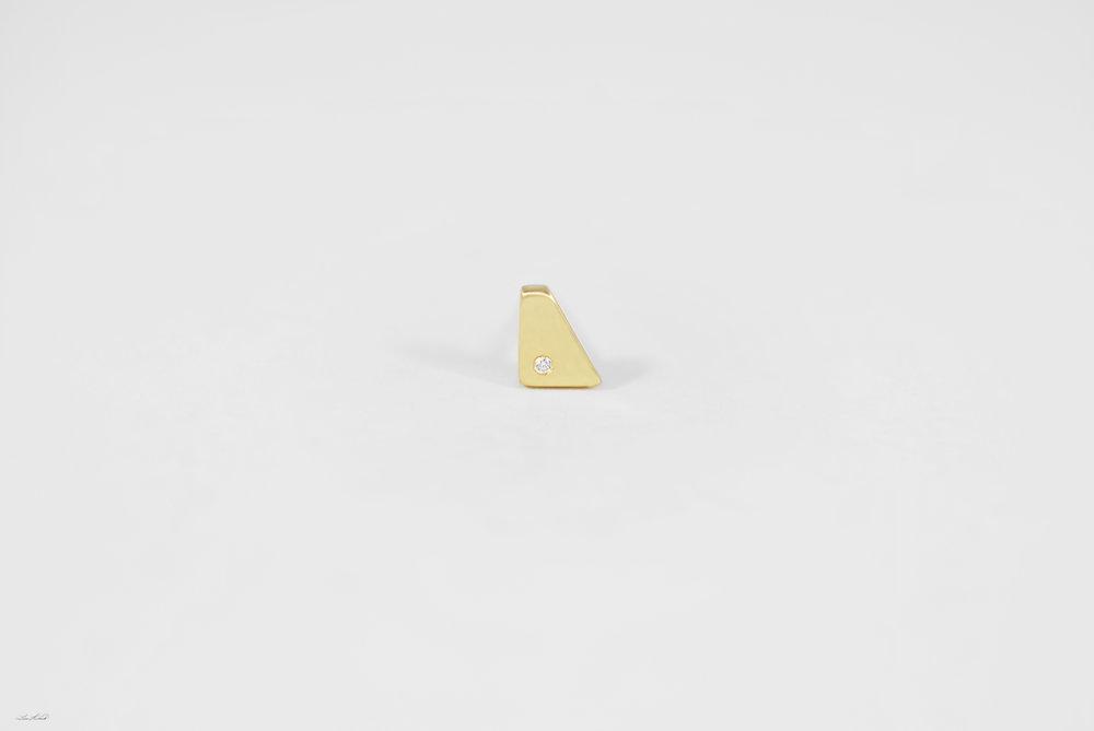 gold rhombus stud w 1 dia.jpg