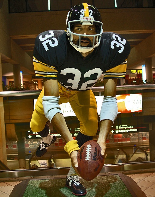 The Immaculate Reception Statue of Franco Harris will not be part of the NFL's official investigation of the play.