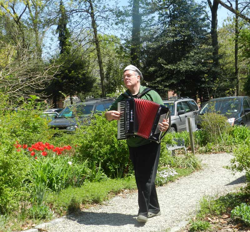 Musician-in-Awbury-Arboretum-Garden.jpg