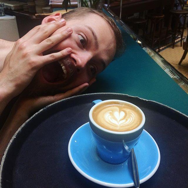 Sam loves some good latte art! 😂☕️