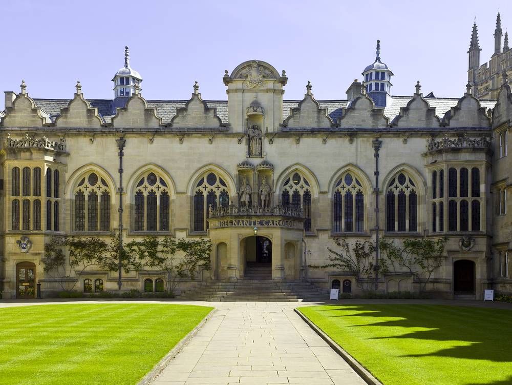 UK-2014-Oxford-Oriel_College_01.jpg