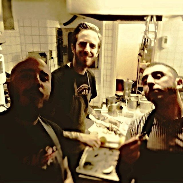 Special staff Sunday lunch!  #sundaylunch #rufinosteria #copenhagen #italian #osteria #donttellourgranmas #pranzodelladomenica #italianosteria #boardslideking